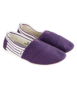 Giày vải nữ phối sọc dễ thương